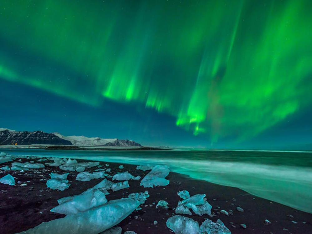 Northern Lights, Volcanoes and the Glacier Lagoon